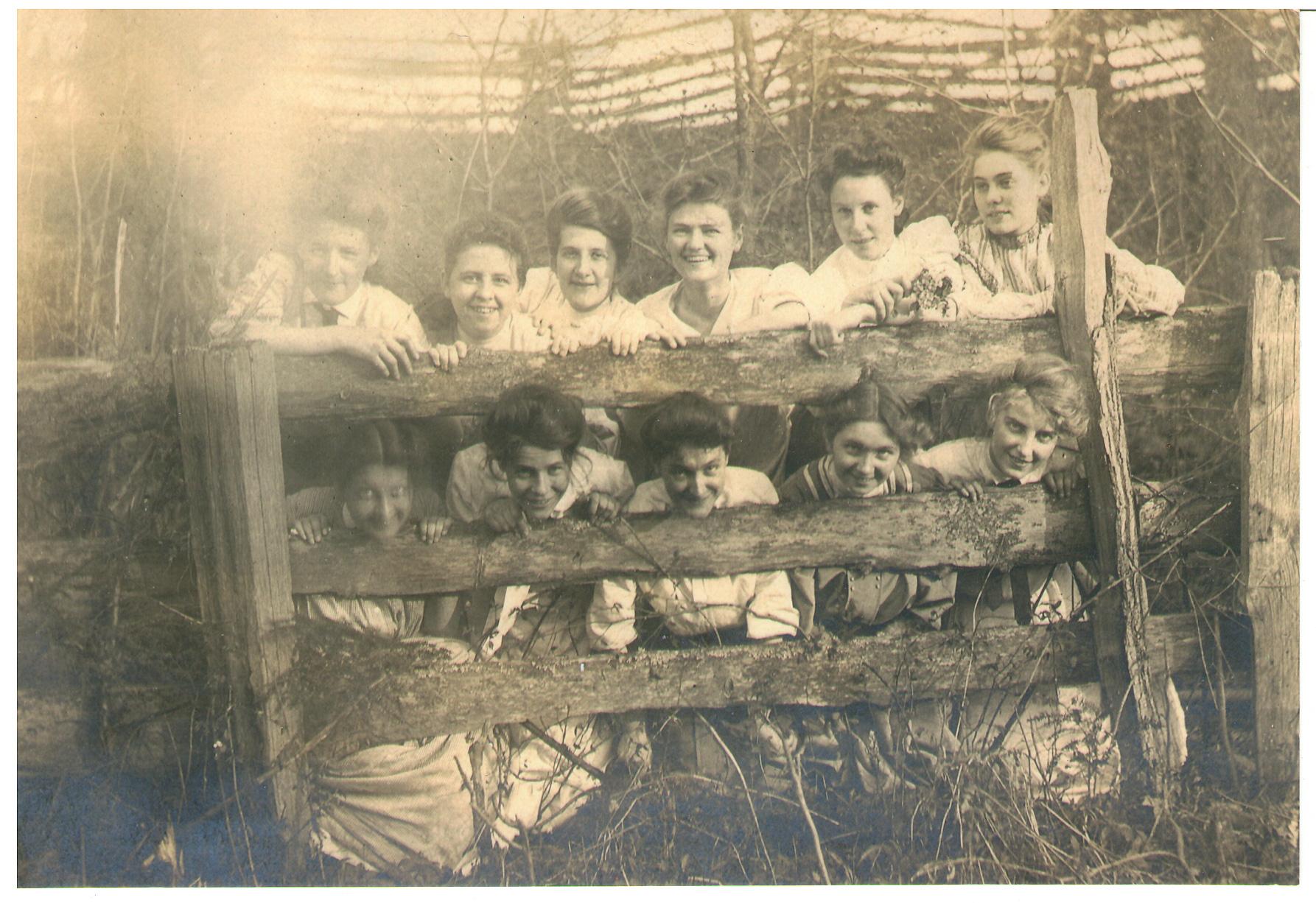 Helen Woods Sorority Photo 1905 (source: Joan Darby)