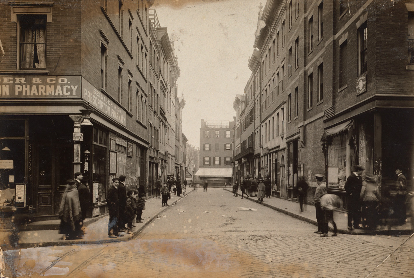 Chambers and Spring looking to Leverett, 1910