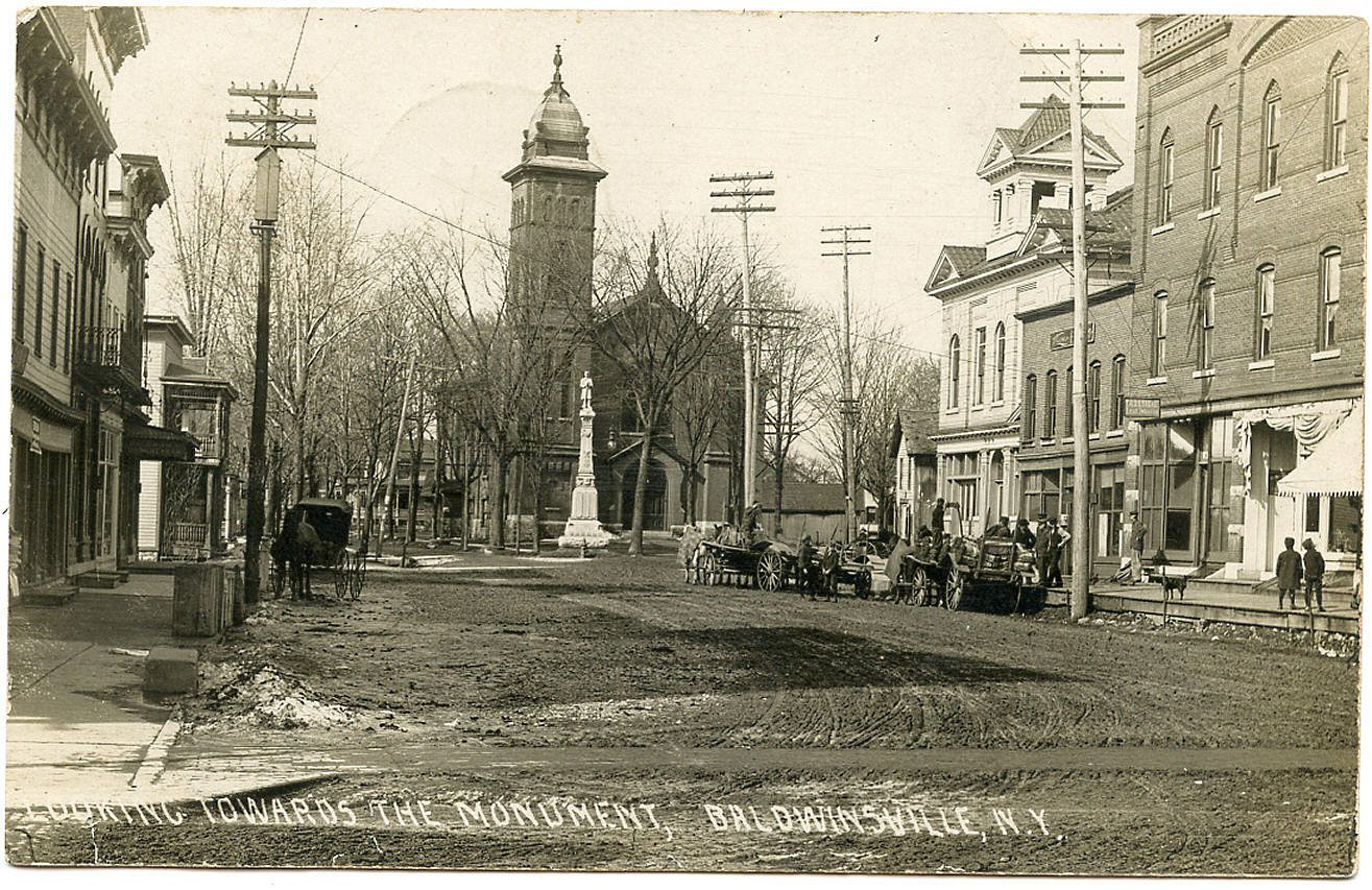 Downtown Baldwinsville showing the War Monument