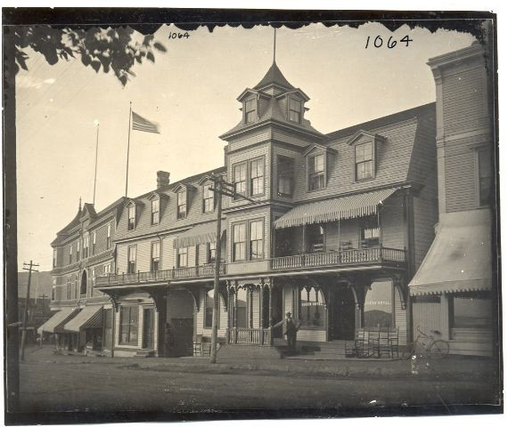 Original Queen Hotel in Annapolis Royal