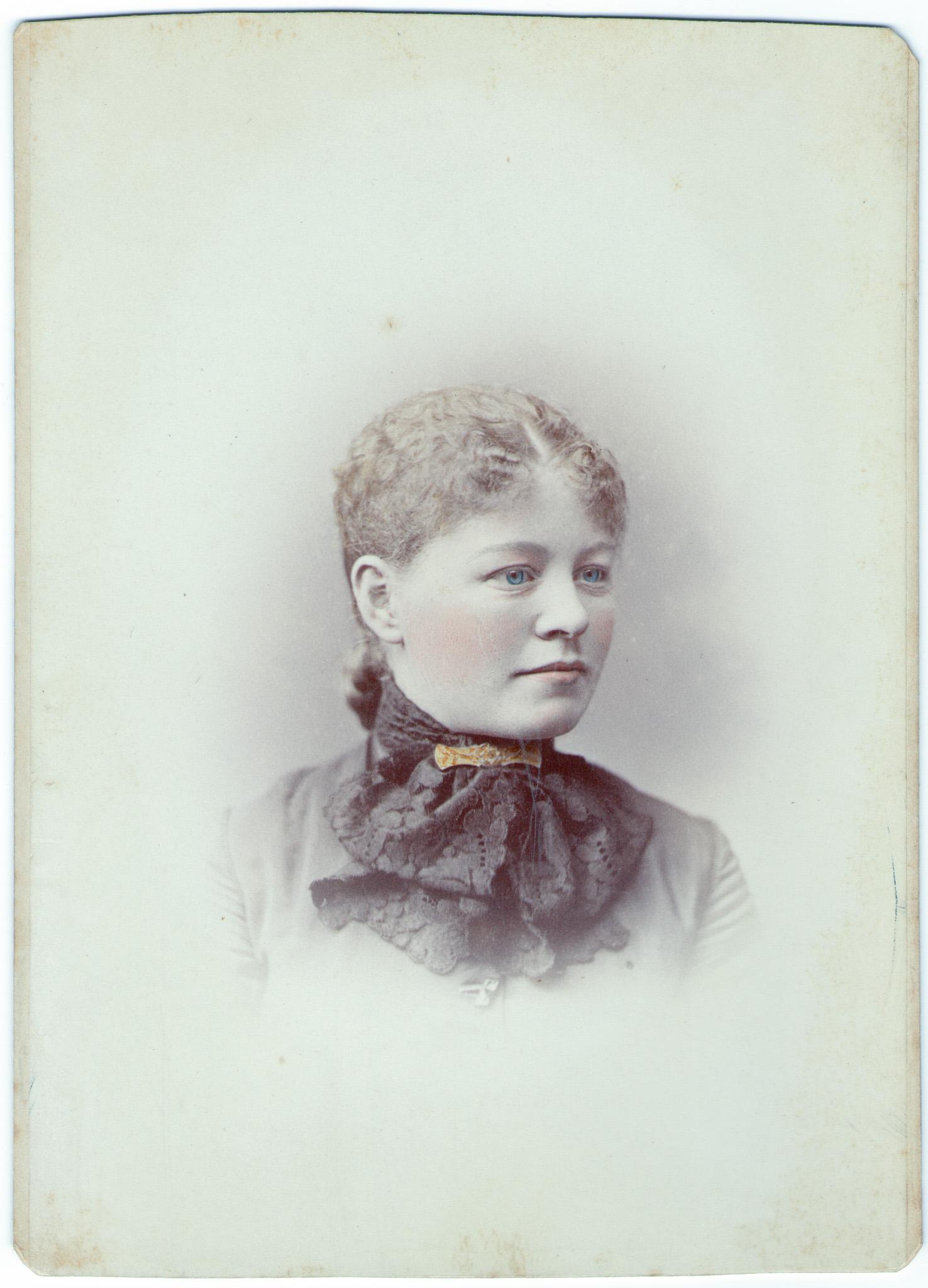 Lizzie Davis